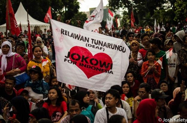 A group of deaf Jokowi volunteers show solidarity