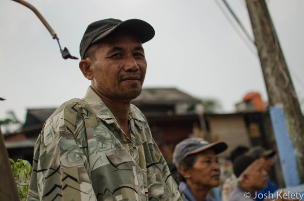 Mampang river resident watches the dredging